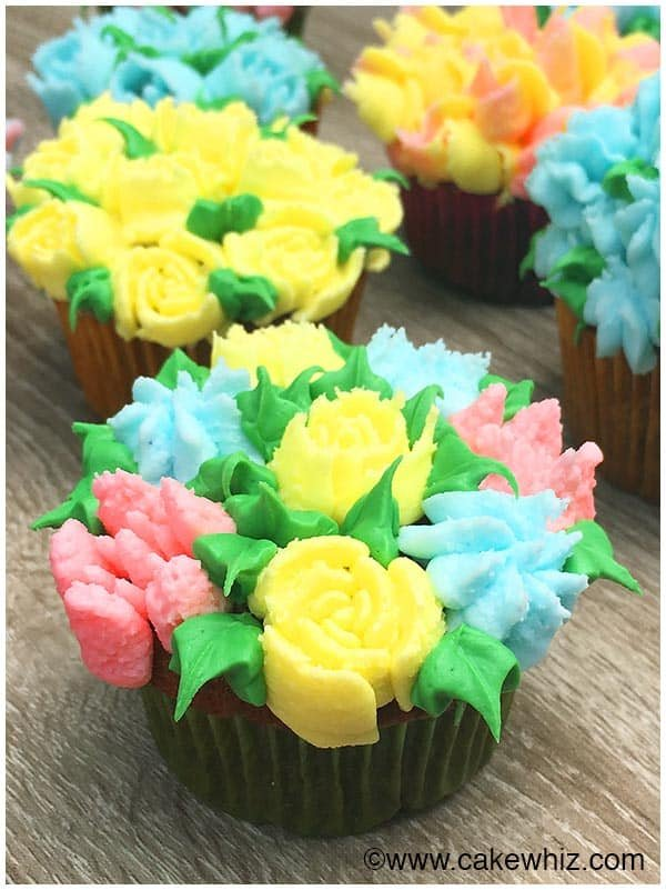 Cake Decorating Piping Flowers : Russian Piping Tips Tutorial