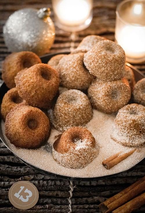 mini gingerbread bundt cakes with cinnamon sugar
