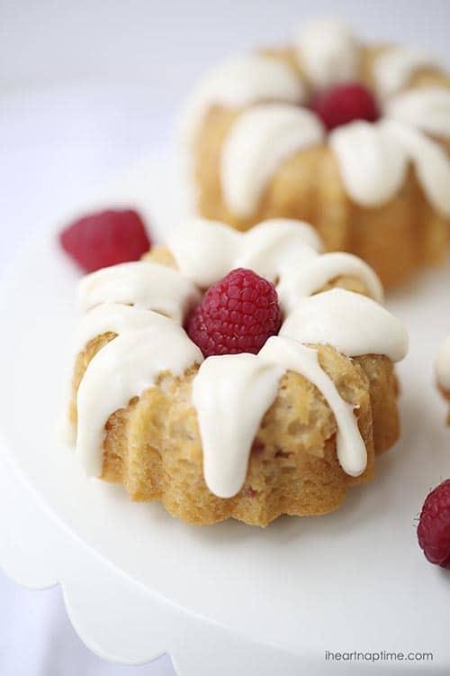 mini raspberry bundt cakes with cream cheese glaze