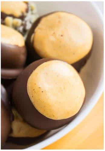 Easy Buckeye Recipe (30 Minute Peanut Butter Balls)