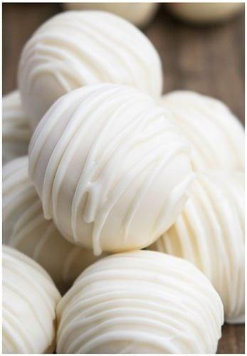 560c336d1d24 White Chocolate Truffles Recipe - CakeWhiz
