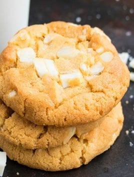 Easy White Chocolate Macadamia Nut Cookies Recipe (Soft and Chewy)