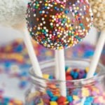 How to Make Cake Pops (Quick and Easy)
