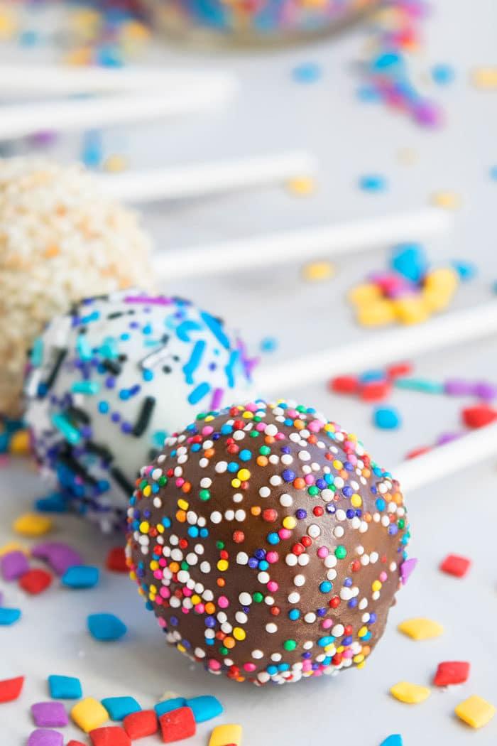 Easy Homemade Chocolate Cake Pops Recipe/ Tutorial