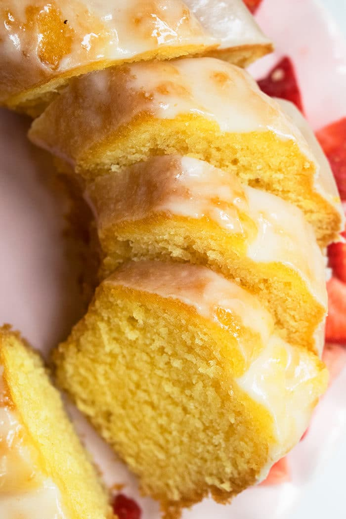 Lemon Bundt Cake With Lemon Glaze