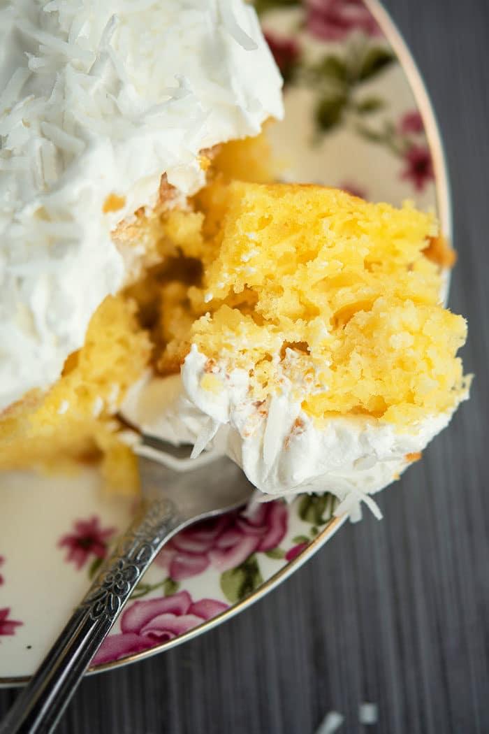 Best Crushed Pineapple Cake (Pineapple Dream Cake)