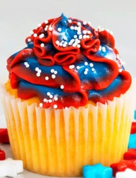 Easy 4th of July Cupcakes (Red White and Blue Cupcakes)